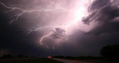 Wyręby k. Dynowa: piorun uderzył w dom! VIDEO